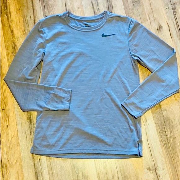 Men's Nike Dri fit long sleeve shirt